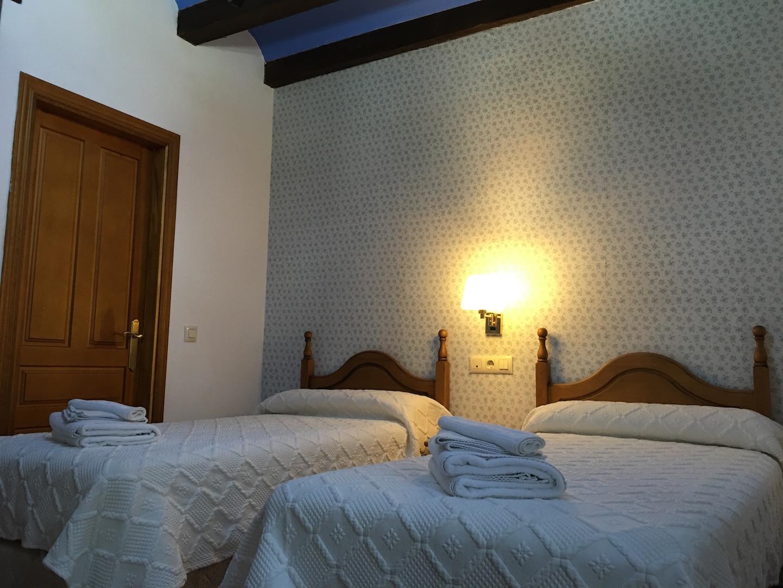 Chambre simple hospedería de sádaba barcelona